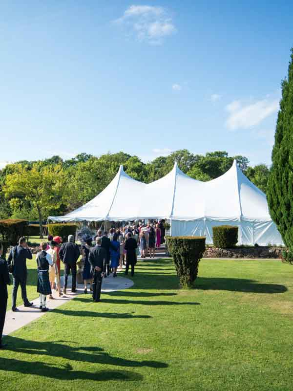 wedding-in-garden-at-home-in-small-marquee